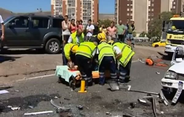 Terrible accidente por una supuesta carrera ilegal en Jinamar, Gran Canaria